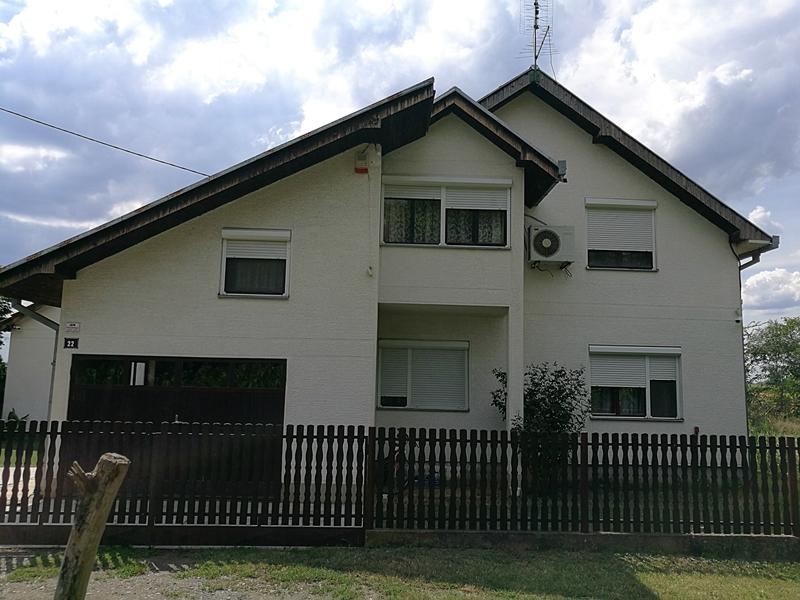 Na-prodaju-lokal-u-širem-centru-Obrenovca