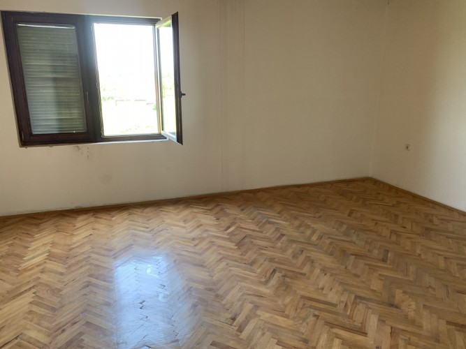 Na-prodaju-kuća-u-Obrenovcu