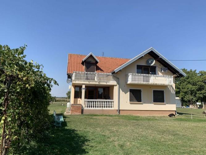 Na-prodaju-kuća-u-Obrenovcu(Ratari)