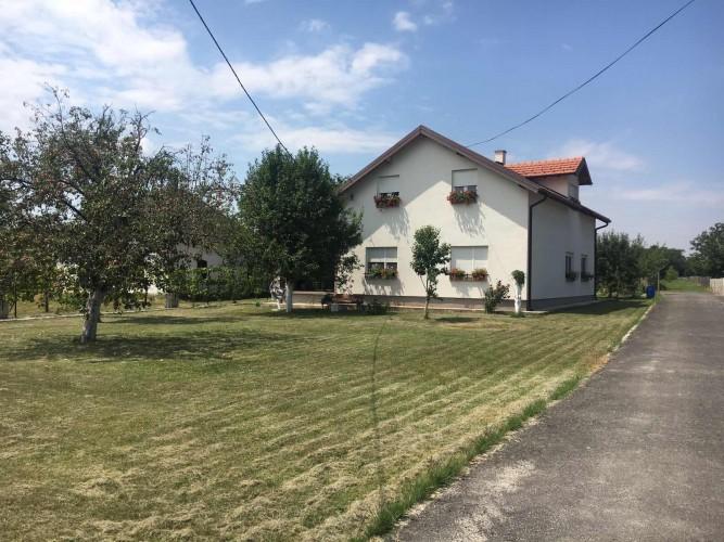 Na-prodaju-kuća-u-Obrenovcu(Stubline)