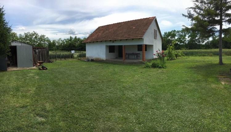 Na-prodaju-kuća-u-Obrenovcu(Skela)